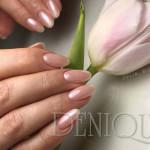 Julia Bila, Denique CH Janki, Pastelowy manicure hybrydowy